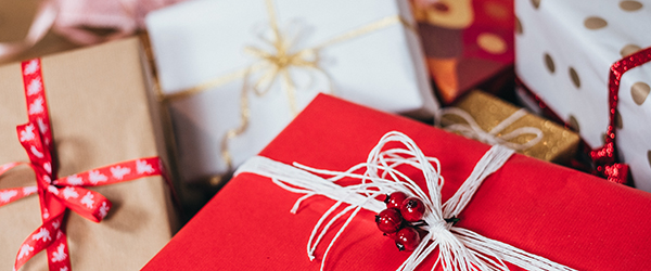 4 tips to avoid overspending this Christmas
