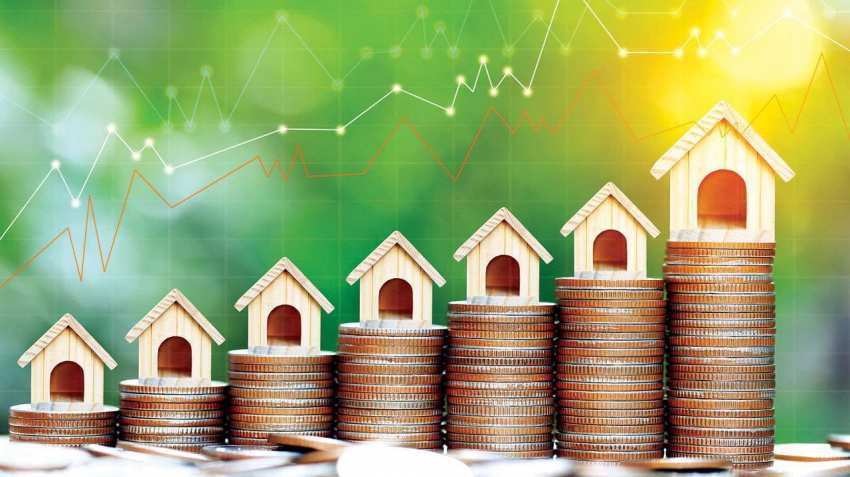 Household wealth spikes ahead of COVID-19 drag