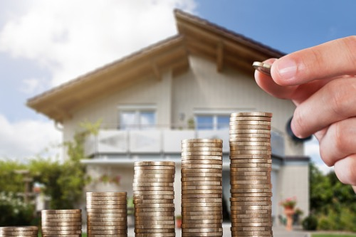 Melbourne property prices surge past previous peak